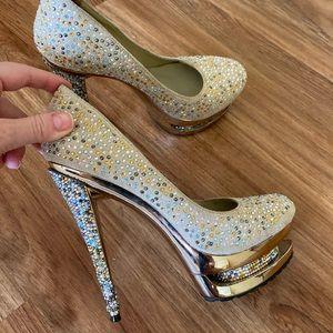 Shiny High heels with rhinestones